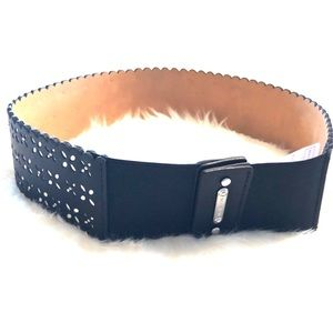 Micheal Kors stretchy leather belt